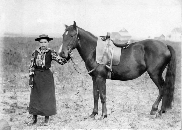 Woman_With_Horse